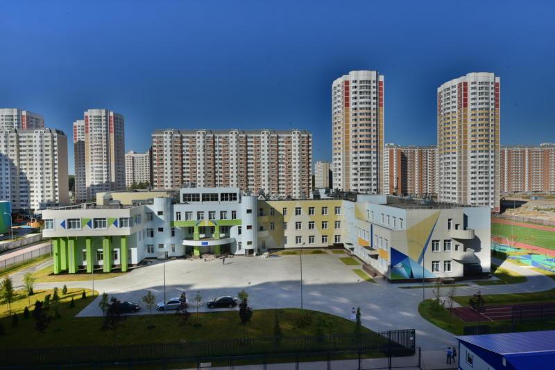 Современная школа на 600 мест заработала в Московском