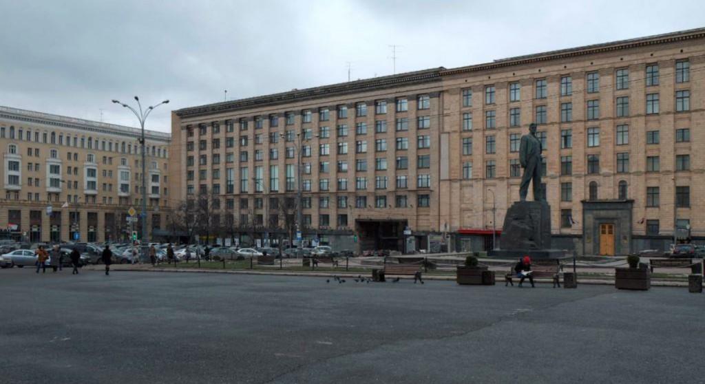 Семь тысяч незаконных рекламных вывесок демонтировали в Москве