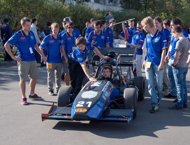 В технополисе «Москва» прошли соревнования по автоспорту среди студентов