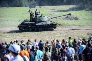 В Марушкинcком детей прокатят на военной полуторке