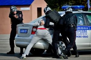 Полиция отрабатывает учебную задачу - задержание подозреваемого