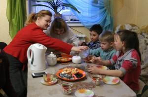 12:23 31.01.2015 Семья Нурченковых с приёмными детьми.