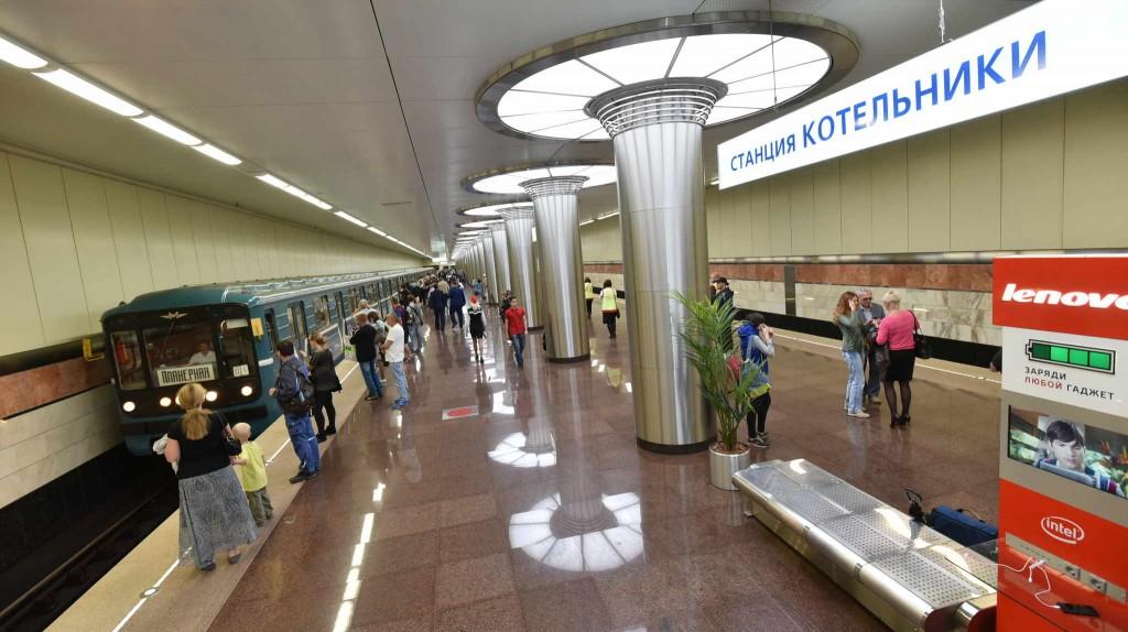 Эксперимент удался: В метро станет больше зарядных устройств