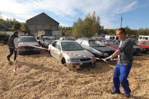 29 сентября 2015 года. Вороновское. На спецстоянке брошенные автомобили ждут своих владельцев три месяца