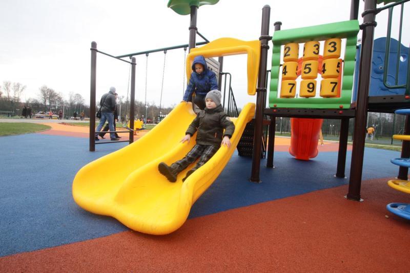За пять лет в Москве создано более четырех тысяч мест для детских игр