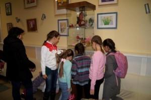 В Рязановском открылась детская художественная выставка