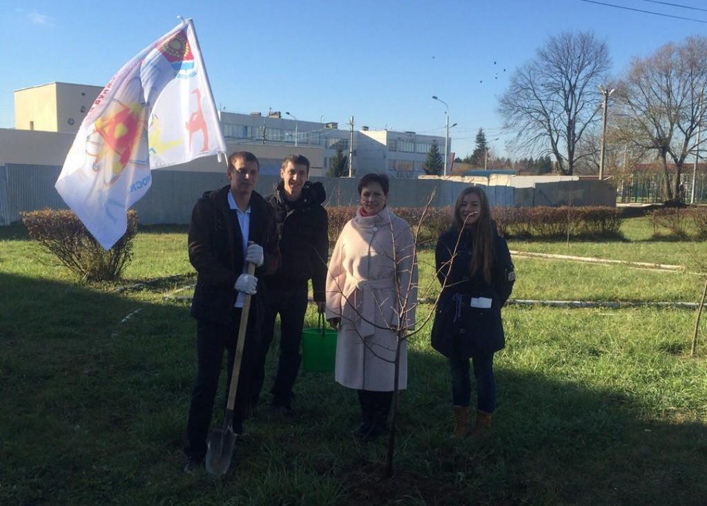 Члены Щаповской молодежной палаты присоединились к акции «Миллион деревьев»