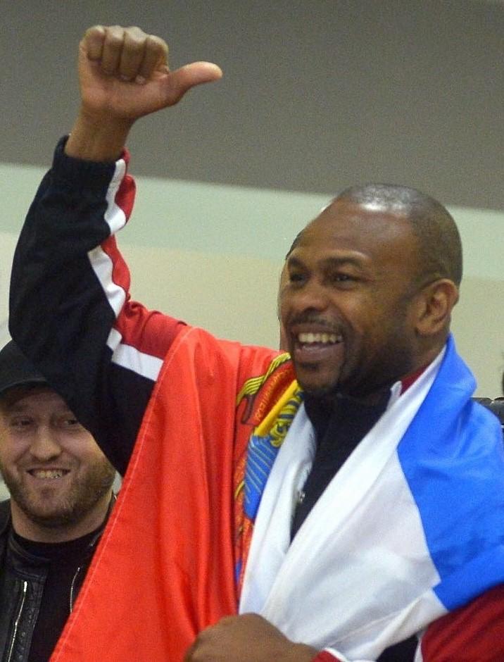 Новый русский боксер Рой Джонс подсел на оливье