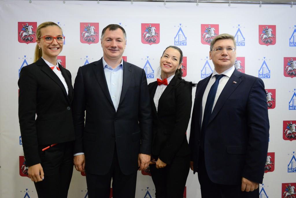 Марат Хуснуллин пообщался с будущими строителями Москвы