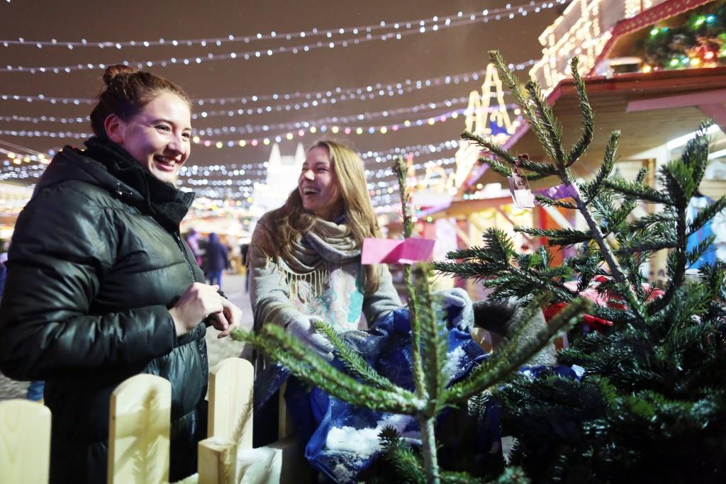 Елочные базары в Новой Москве откроются после завершения торгов