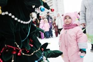 Дата: 31.12.2012, Время: 12:25 Детский новогодний праздник на детской площадке в городе Троицк