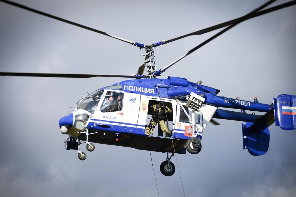Воздушные полицейские устроили день открытых дверей в Мячково
