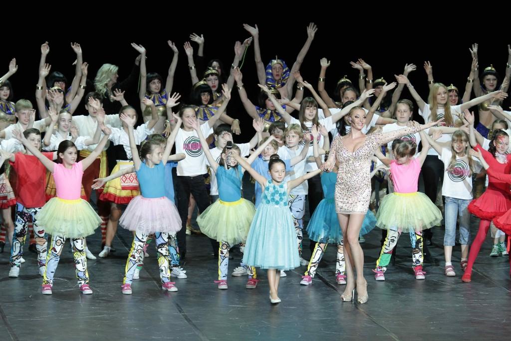 Дети Вороновского смогут посетить концерт Анастасии Волочковой