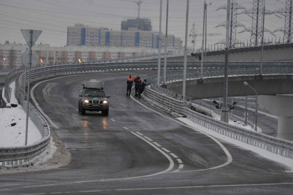 Платный участок трассы «Москва - Петербург» не справился с потоком желающих