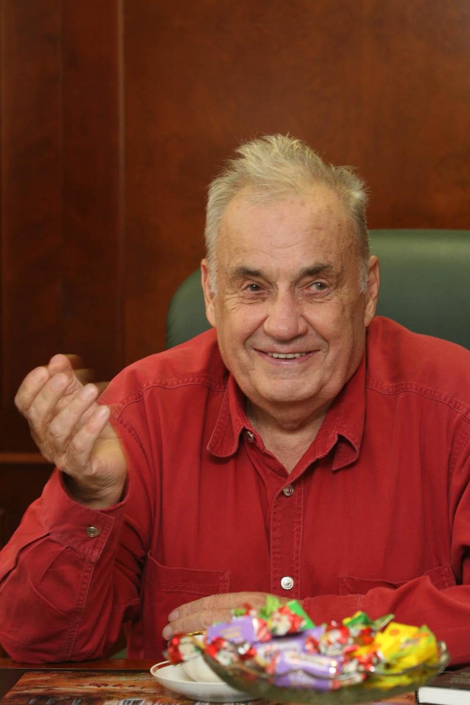 Великому кинорежиссеру Эльдару Рязанову исполнилось 88 лет