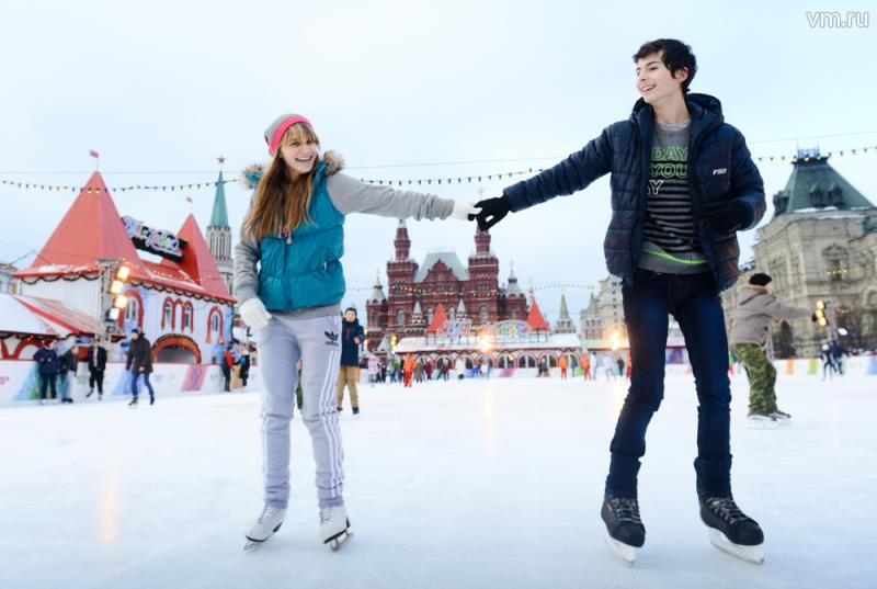 На Красной Площади заработал ледовый каток