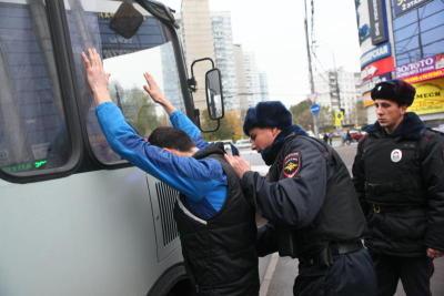 Новые автобусы «Москва-Ереван» остановлены полицией