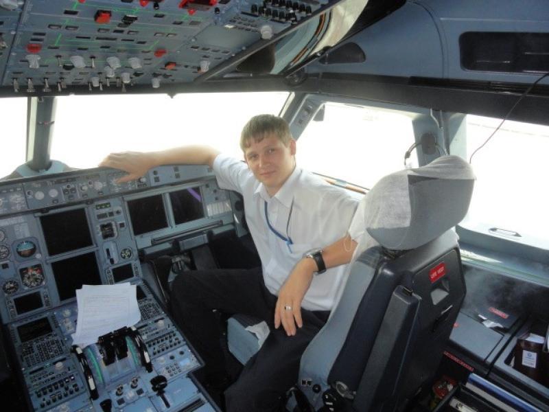 В Москве прошло прощание с бортпроводником Станиславом Свиридовым
