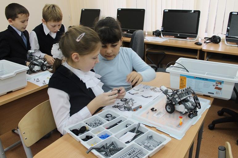 Неделя робототехники завершилась в Вороновском
