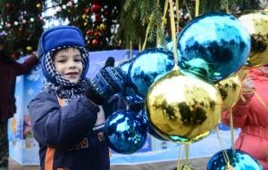 Московский уже начали украшать к Новому году