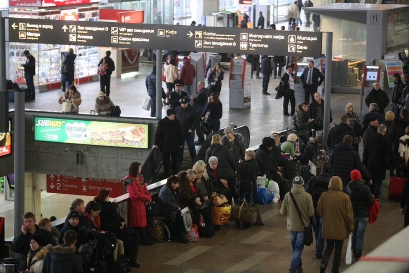 Кинологи не нашли бомбы на Курском вокзале
