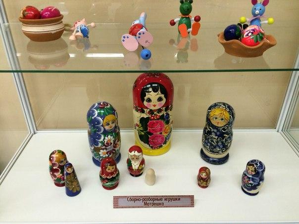 Молодежная палата Рязановского поселения: выставка матрешек