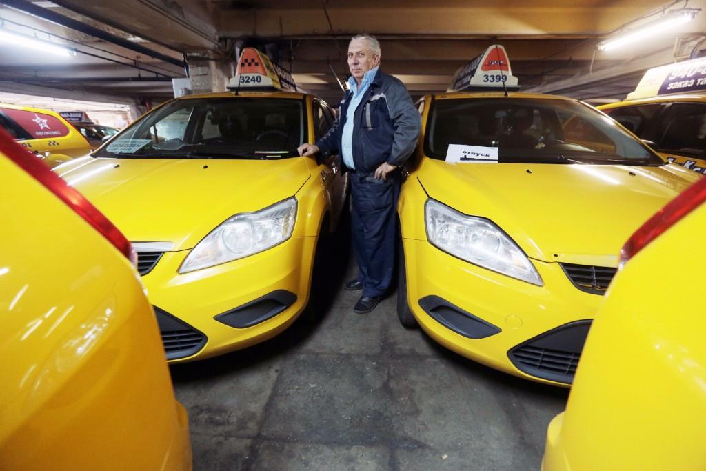 В новогоднюю ночь Москву обслужат 50 тысяч такси