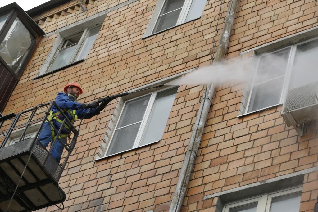 Девять фасадов домов отремонтировали в Коммунарке
