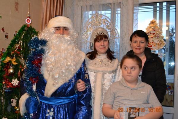 В Воскресенское приехали Дед Мороз со Снегурочкой
