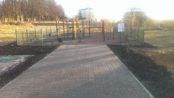 В Краснопахорском обустроили дорожки к детским площадкам