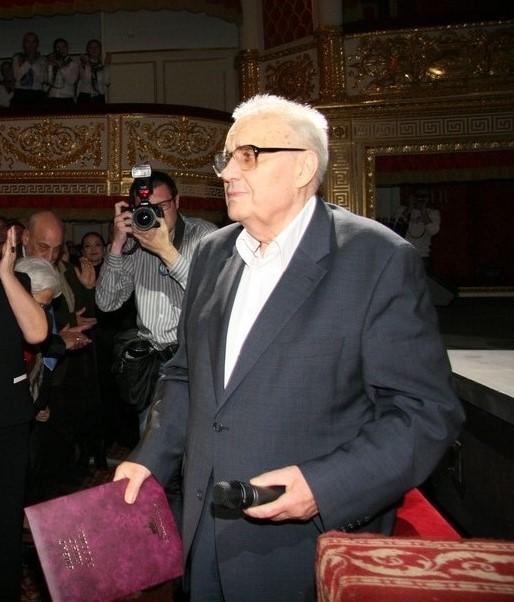 В Москве пустеют полки с книгами Эльдара Рязанова