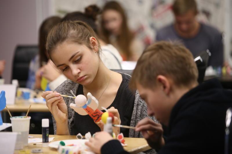 Ученики школы № 2070 изготовят рождественские поделки на конкурс
