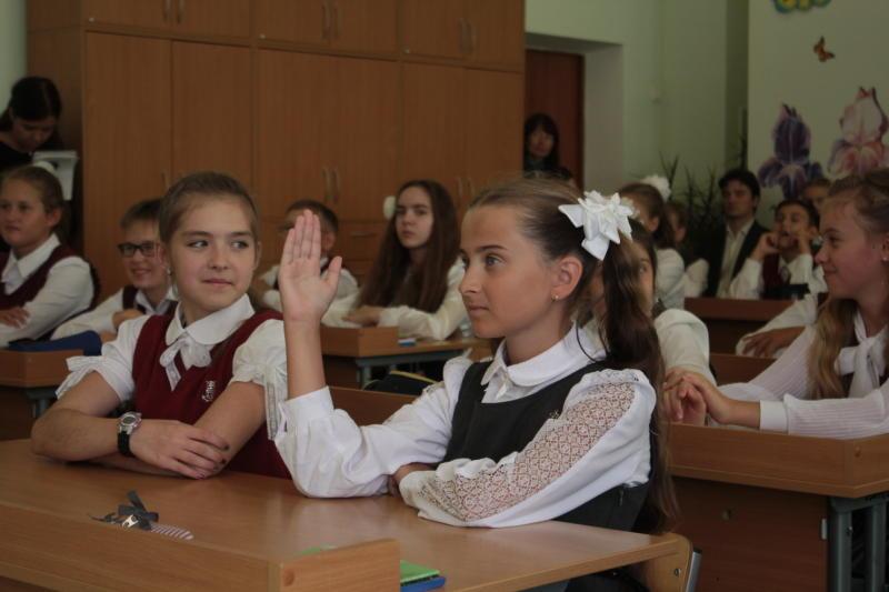 В школы новых округов подано 2 тысячи 555 заявлений на зачисление в 1 класс