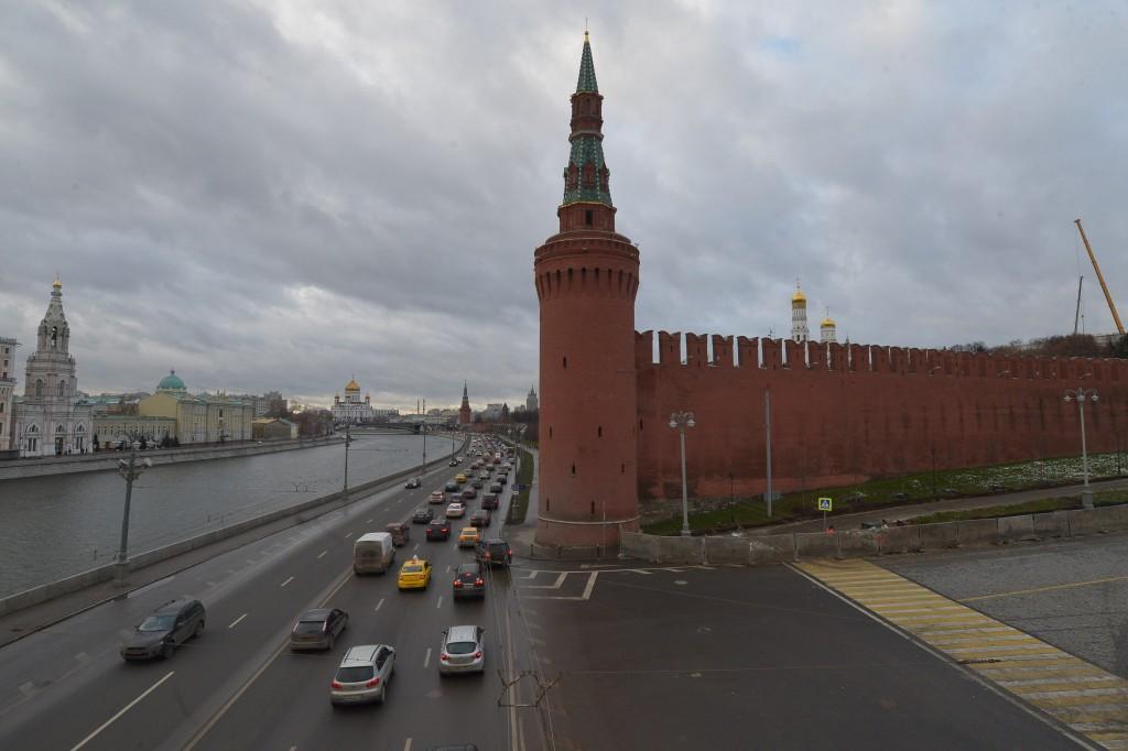 У автора пацифистской надписи на стене Кремля патологий не нашли