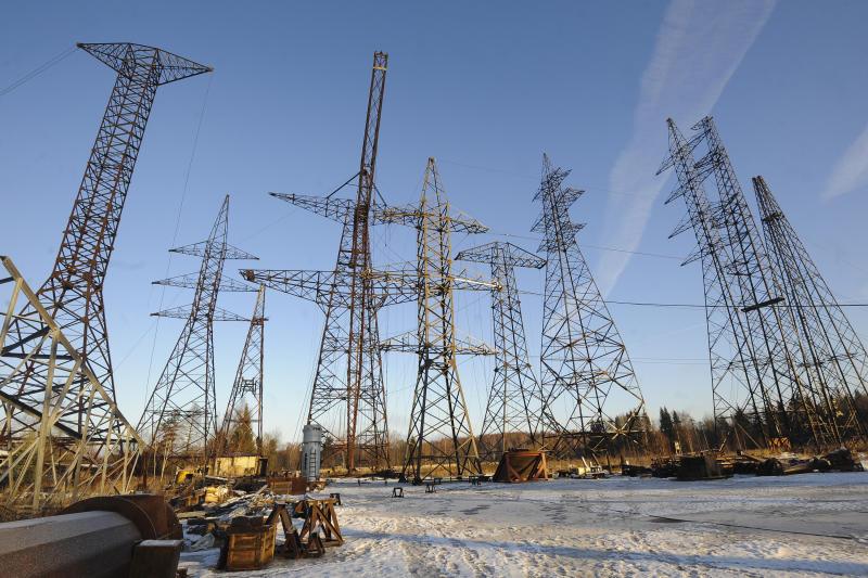 В Крым началась подача электроэнергии через энергомост