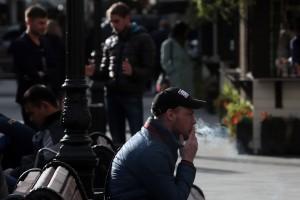 Дата: 30.09.2015, Время: 15:56 Курильщики на улицах Москвы