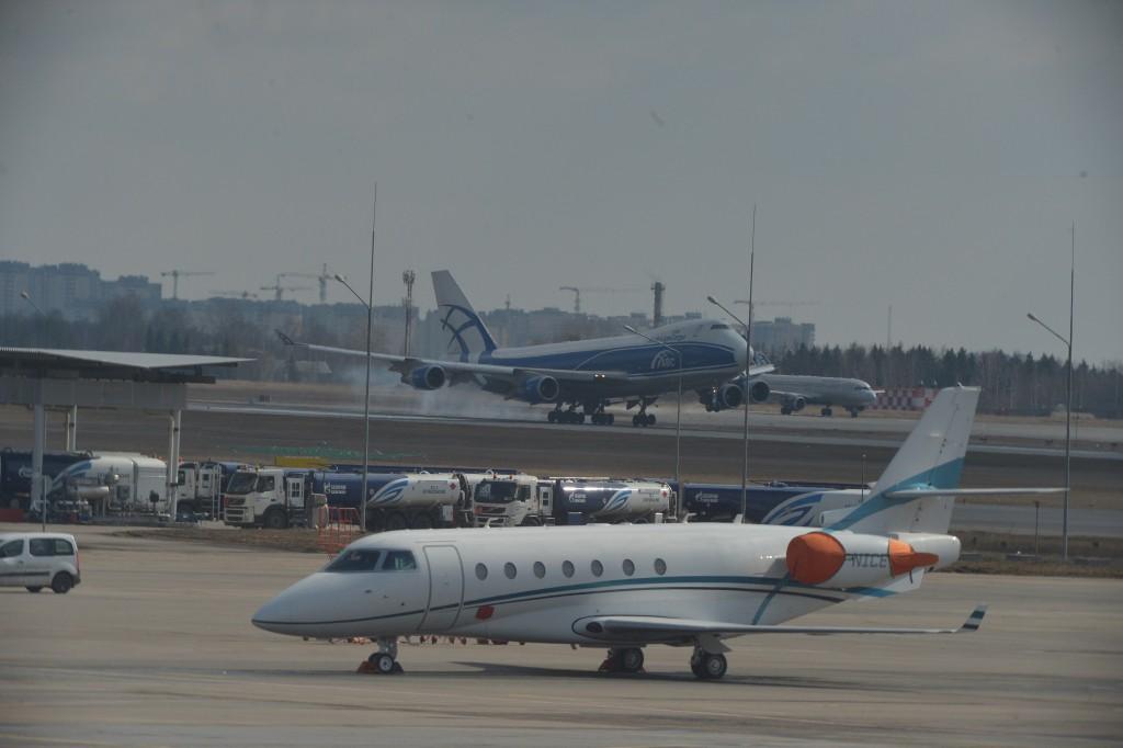 Boeing совершил экстренную посадку в Домодедово