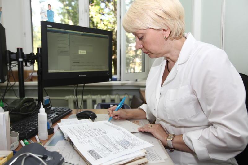 Электронные больничные листы появились в трех регионах страны