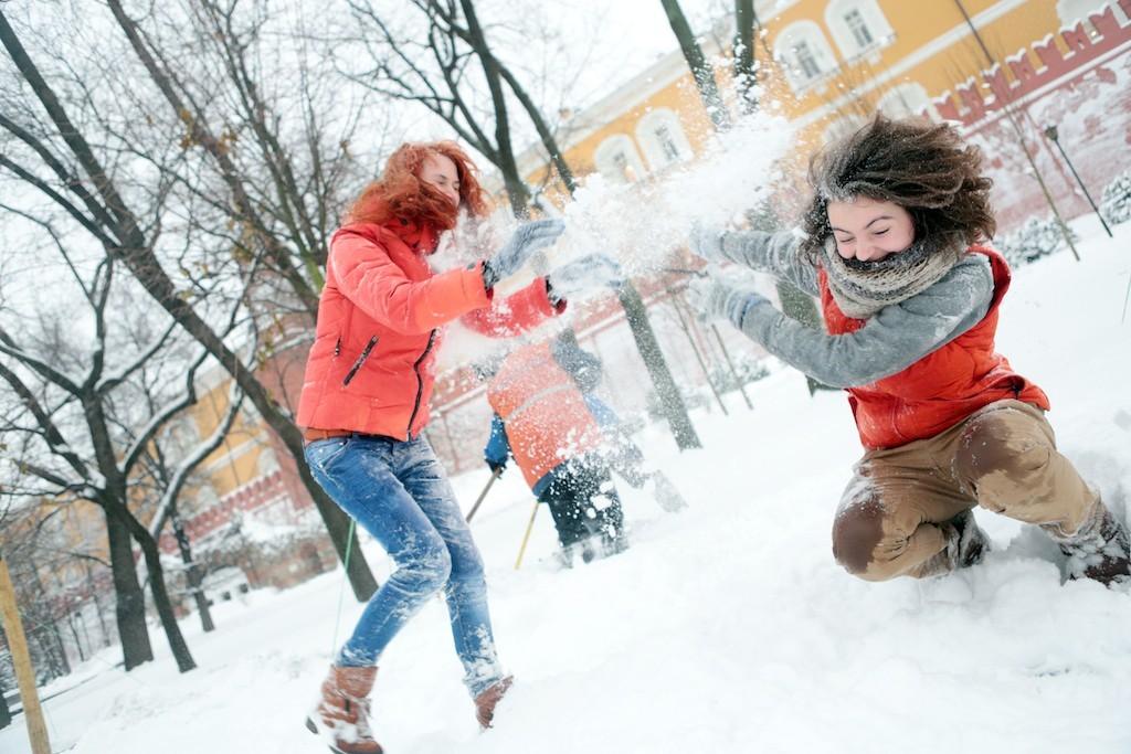 Бодрые игры на улице помогут взбодриться после застолья