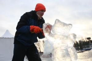 Мастер-класс по ледяной скульптуре на Поклонной горе