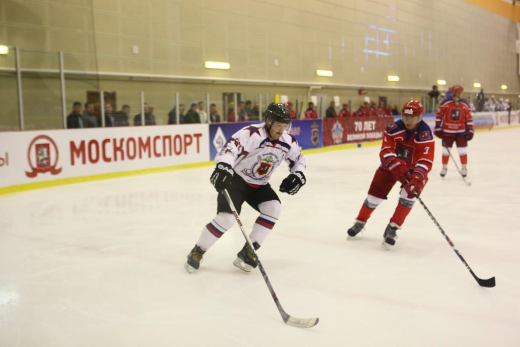 Ветераны российского хоккея выиграли турнир «Лига легенд»