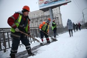 Снегопад в Москве и уборка снега