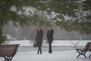 Снег в Москве.