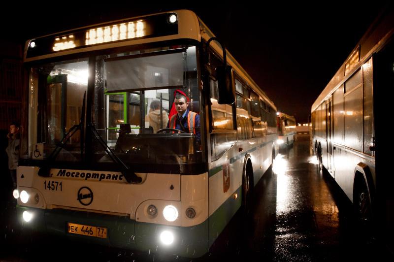 В ночных автобусах Москвы можно будет послушать классическую музыку
