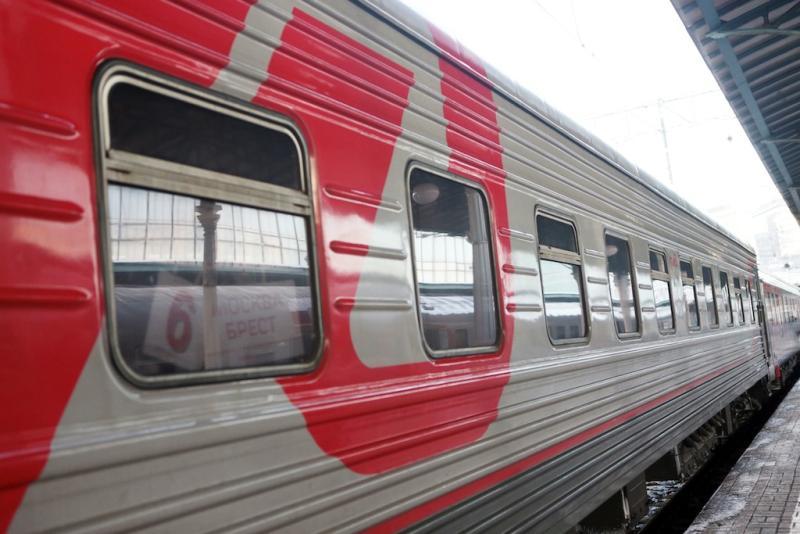 Билет на поезд Октябрьского направления москвичи смогут оплатить банковской картой