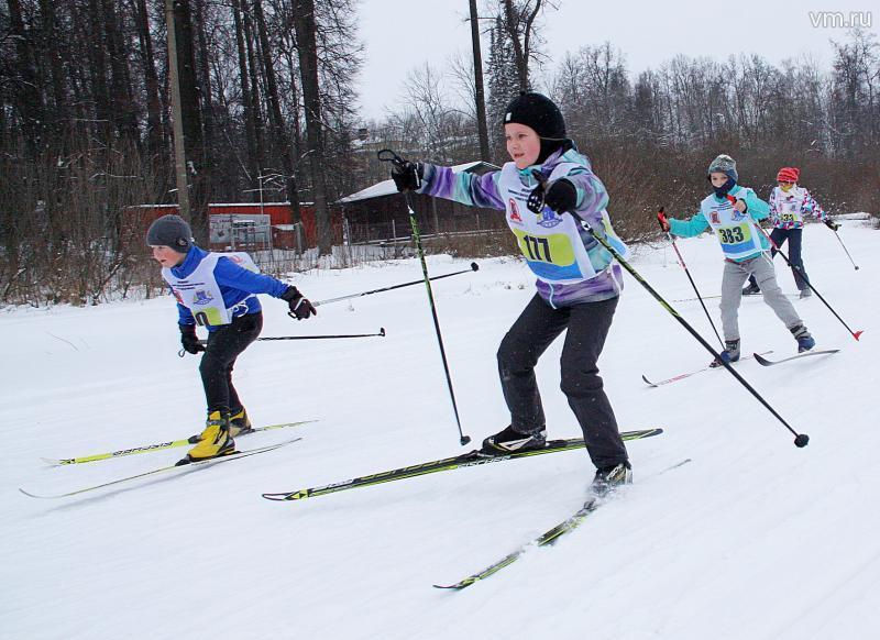 """Популярная гонка на лыжах проводится в поселении в 35-й раз. Фото: архив, """"Вечерняя Москва"""""""