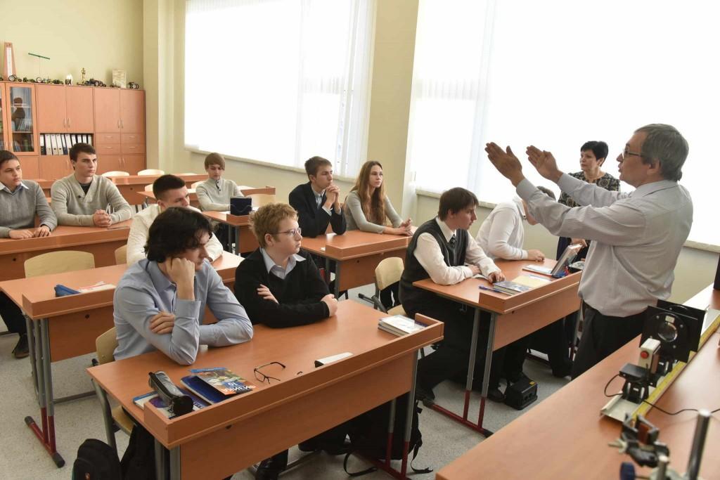01 января 2016 Мэр Москвы Сергей Собянин открыл новую школу в районе Северный