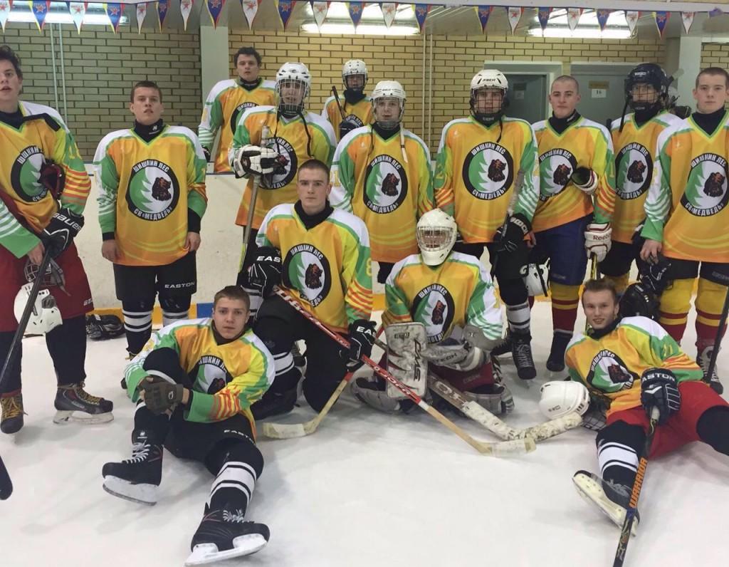 Команда новых округов вышла в плей-офф соревнований