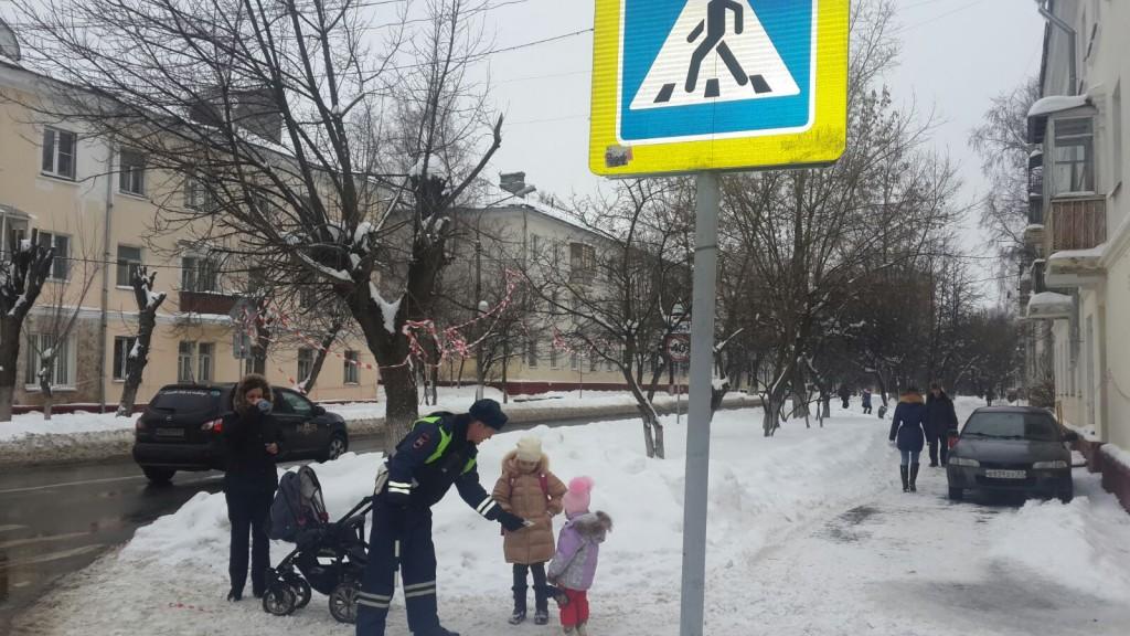 Патрульные провели профилактическое мероприятие «Маленький пешеход»