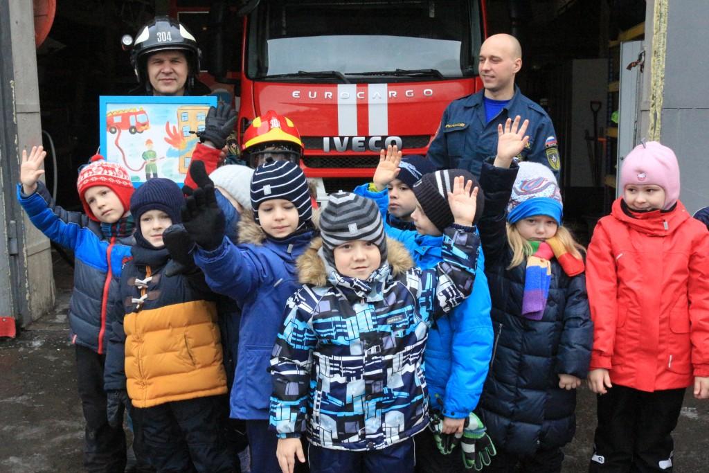 Дошкольники Краснопахорского узнали о трудовых буднях пожарных